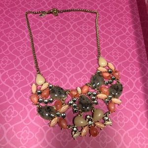 Statement necklace New York & company